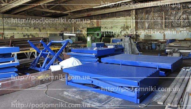 Гидроподъемники на складе производителя
